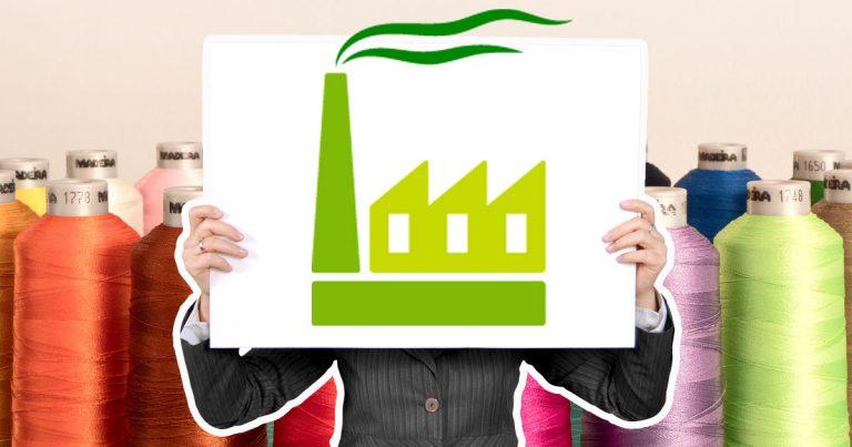 Gomitoli di fili e industria tessile green