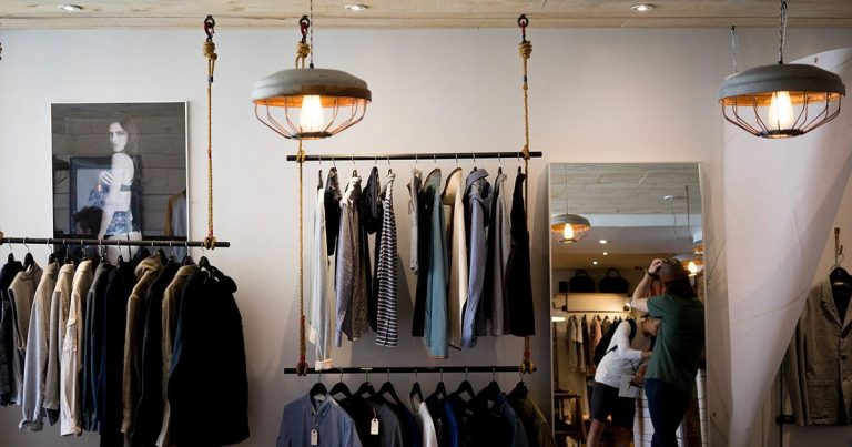 Fashion Renting, renting clothes and fashion accessories